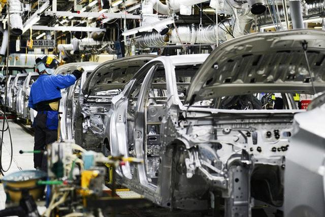 Hàng loạt hãng ô tô giảm sản xuất, tăng nhập khẩu, Bộ lo méo mặt - 1