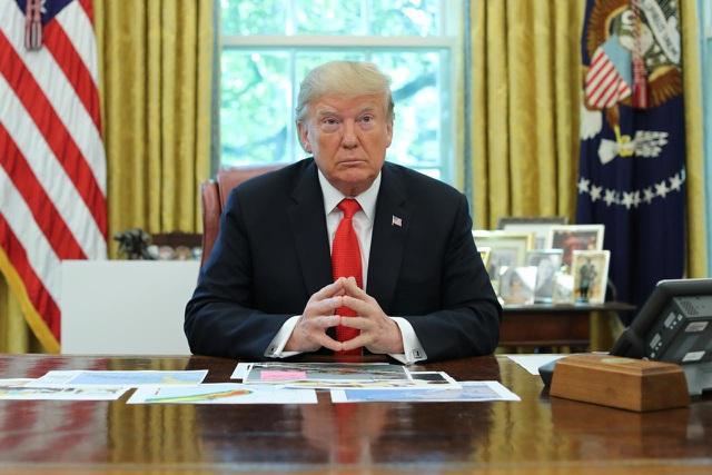 Tổng thống Trump lùi thời hạn tăng thuế lên 250 tỷ USD hàng hóa Trung Quốc - 1