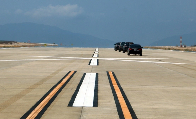 """Dốc gần 2.000 tỷ đồng xây đường băng sân bay rồi… """"đắp chiếu"""" (?!) - 1"""