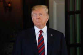 Ông Trump lên tiếng trước cáo buộc 8 lần nhờ Tổng thống Ukraine can thiệp bầu cử 2020