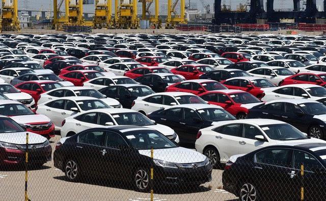Xe con nhập khẩu tăng gấp 4 lần năm trước, áp lực đè nặng xe lắp ráp