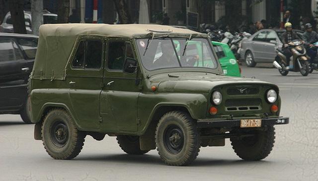 Những chiếc ô tô công thanh lý chỉ từ 10 triệu đồng ở Việt Nam - 2