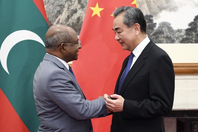 Nợ 3 tỷ USD, Maldives lo bị sa lầy trong bẫy nợ của Trung Quốc - 1