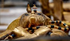 Những hình ảnh đáng kinh ngạc trên quan tài vàng được tìm thấy của  Pharaoh Ai Cập Tutankhamun