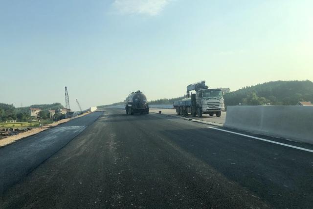 Bộ trưởng Giao thông nói gì về cao tốc 12.000 tỷ trước ngày thông xe? - 4