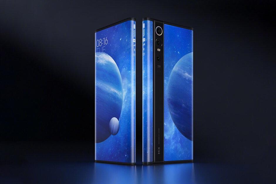 Độc đáo chiếc smartphone có màn hình... bao quanh thân máy, giá 2.800 USD