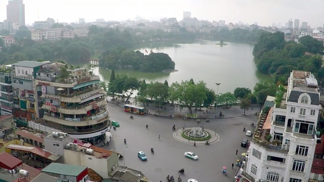 Hà Nội xem xét cấm ô tô, xe máy hoạt động quanh hồ Hoàn Kiếm trong 1 tháng - 1