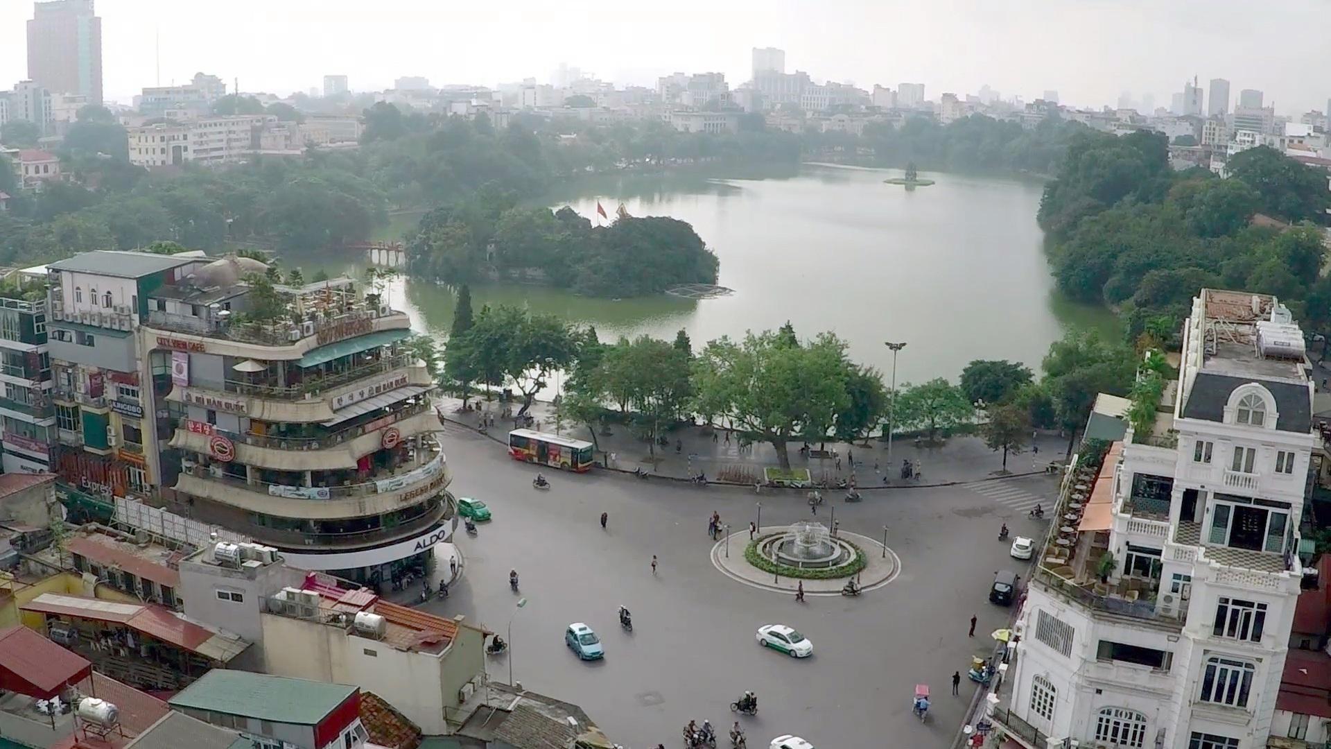 Hà Nội xem xét cấm ô tô, xe máy hoạt động quanh hồ Hoàn Kiếm trong 1 tháng