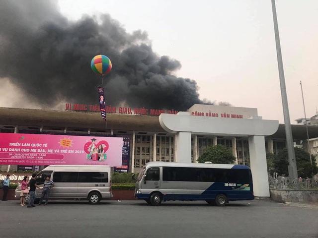 Hình ảnh tan hoang đổ nát trong Cung hữu nghị Việt Xô sau vụ cháy lớn - 1