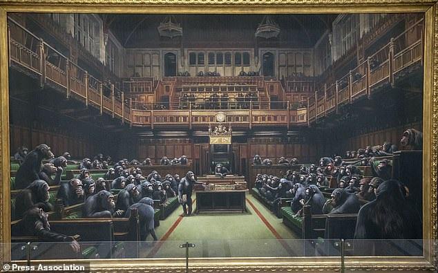 Bức tranh vẽ 100 con tinh tinh được bán với giá kỷ lục hơn 280 tỷ đồng
