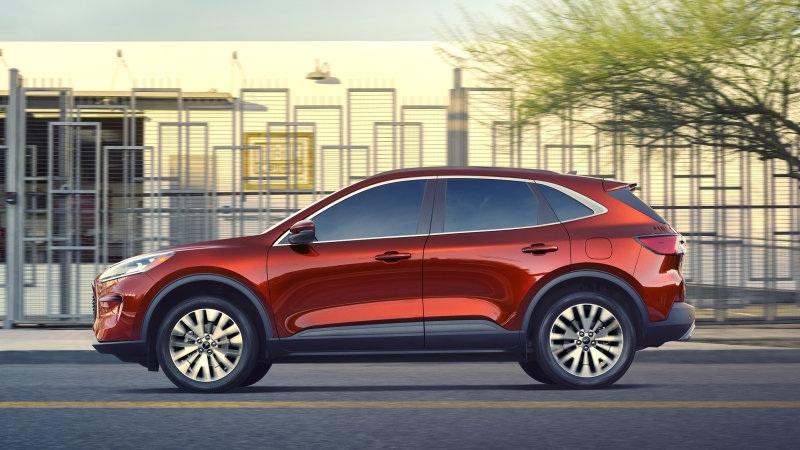 Ford đồng loạt triệu hồi Escape, Explorer và xe bán tải F-Series