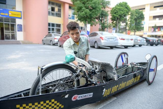 Sinh viên tự chế xe siêu tiết kiệm chạy 1.095 km tốn một lít xăng - 8