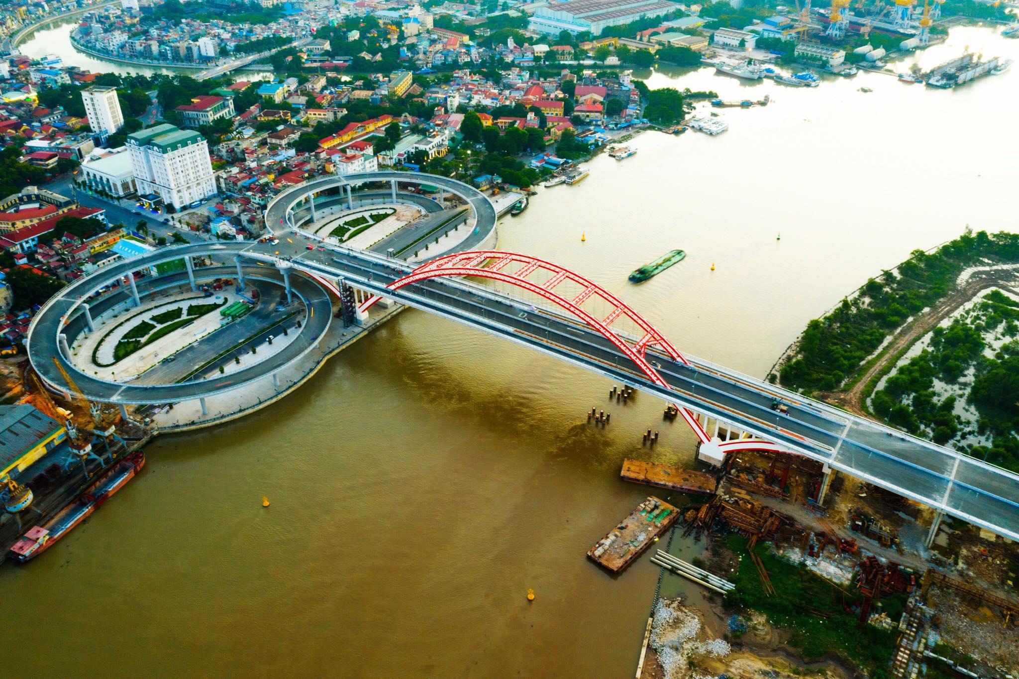Chuẩn bị thông xe cây cầu hơn 2.000 tỷ đồng có kiểu dáng