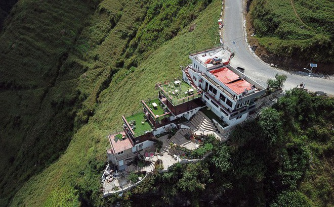 Công trình trên đèo Mã Pí Lèng: Kiến nghị phá dỡ các tầng giật cấp nhô ra sông Nho Quế
