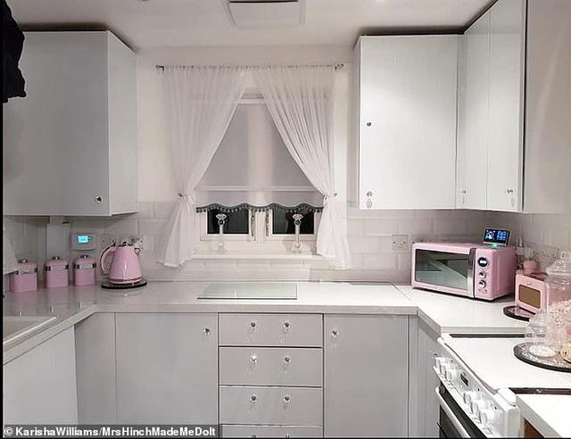 Hô biến căn bếp lỗi thời thành nơi được định giá 200 triệu đồng chỉ nhờ cuộn băng keo - 2