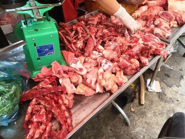 Người mua hết hồn vì giá thịt heo tăng kỷ lục  - 1