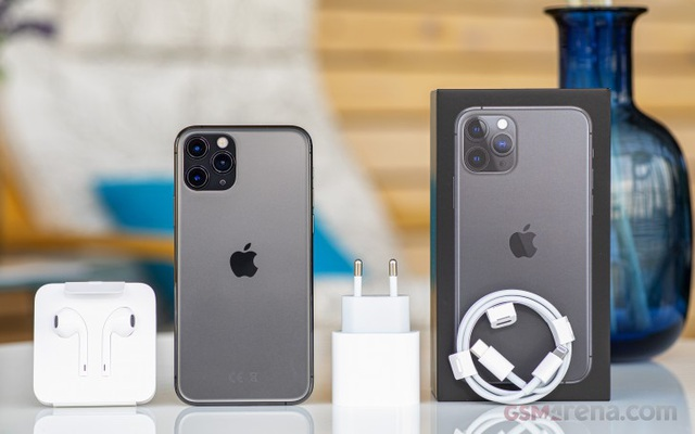 iPhone 11 rớt giá tại Việt Nam, dân buôn xé phụ kiện bán kiếm lời - 3