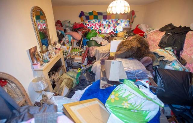 Hi hữu: Gia chủ bị đuổi khỏi nhà mình vì tích trữ quá nhiều… đồ đạc! - 2