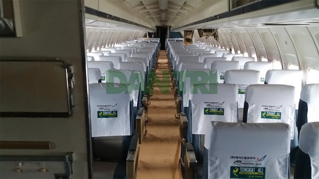 """Tiết lộ bất ngờ về chiếc máy bay cũ nát như sắt vụn bị """"bỏ rơi"""" ở Nội Bài - 2"""