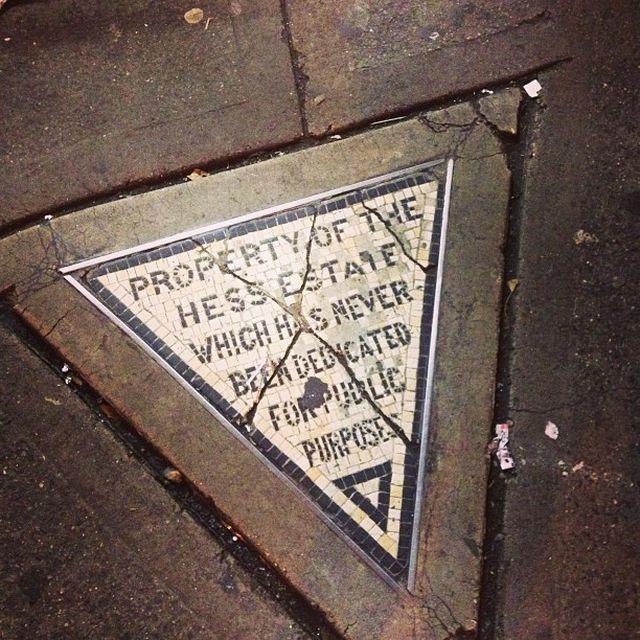 Mảnh đất vàng giữa New York, chỉ 0,18m2 nhưng chính quyền không thể động đến - 2