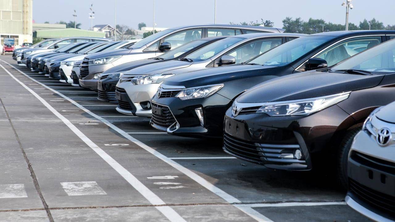 Dân Việt mua ô tô nhiều kỷ lục, giá vẫn giảm và còn giảm nữa