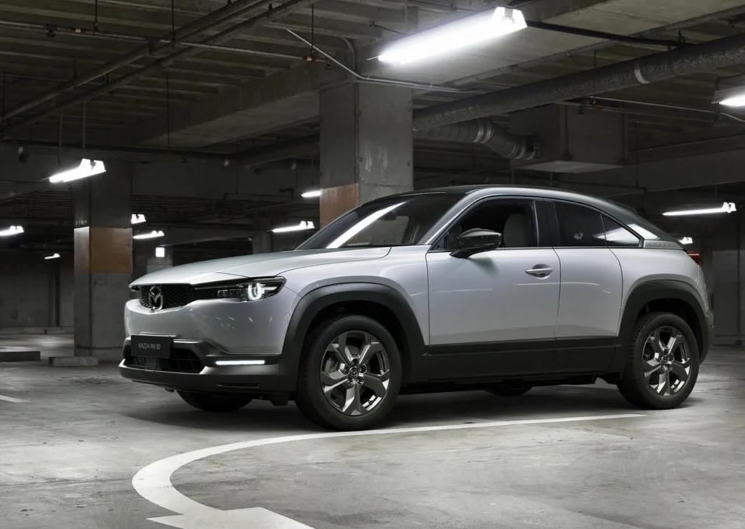 Mazda chính thức ra mắt mẫu xe chạy điện đầu tiên MX-30