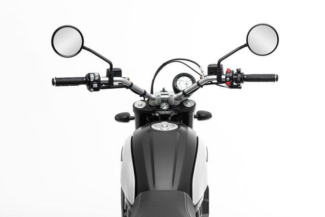 Ducati chỉ làm mới Scrambler bằng phiên bản Icon Dark cho năm 2020 - 10