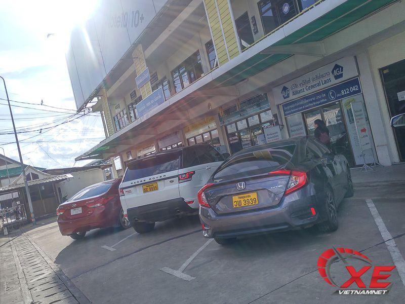 Đẳng cấp dân chơi Lào, xe sang biển siêu đẹp chạy đầy đường