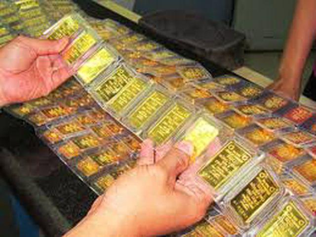 Giá vàng tăng vọt qua mốc 42 triệu đồng/lượng - 1