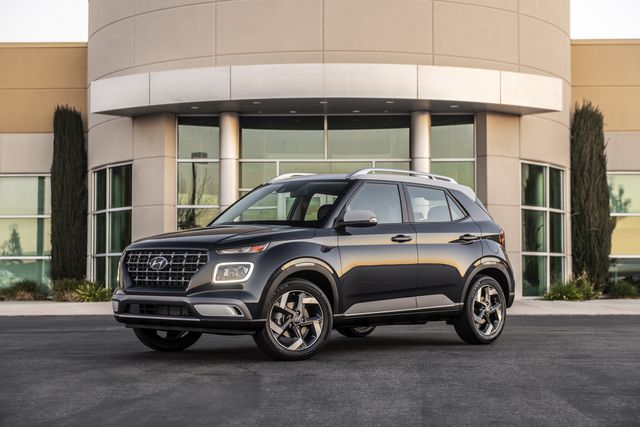 Venue trở thành SUV rẻ nhất của Hyundai tại Mỹ - 1