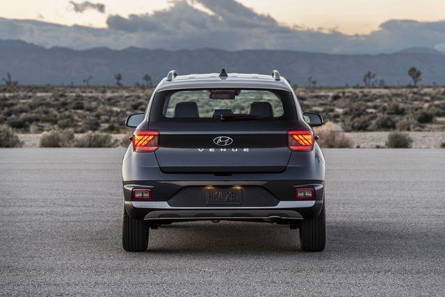 Venue trở thành SUV rẻ nhất của Hyundai tại Mỹ - 6