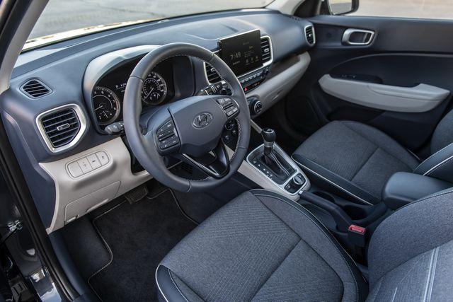 Venue trở thành SUV rẻ nhất của Hyundai tại Mỹ - 8