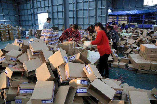 Dân Trung Quốc tẩy chay hàng Mỹ trong ngày mua sắm trực tuyến lớn nhất - 1