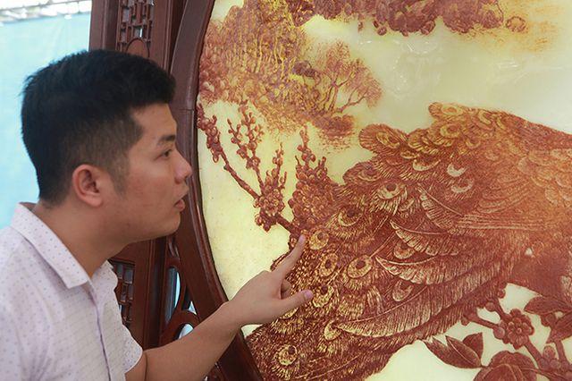 Bức tranh nặng cả tấn, giá vài tỷ khiến ai cũng choáng - 5