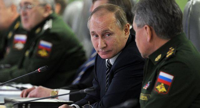 Ông Putin tiết lộ lý do Nga cắt giảm chi tiêu quốc phòng - 1