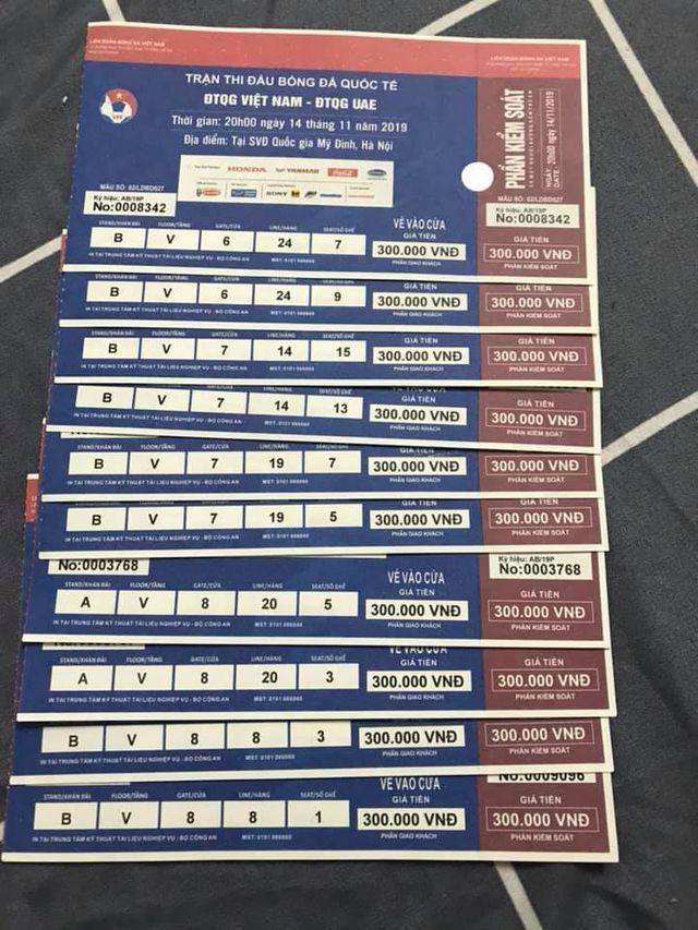 Phe vé mất 2 triệu đồng/cặp, ôm cả kho vé chỉ mong hoà tiền - 3