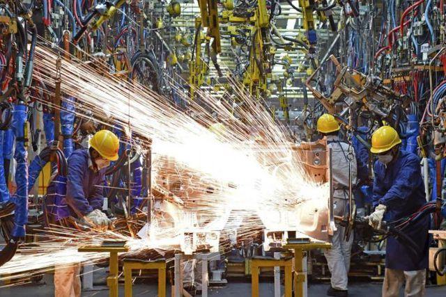 """Tăng trưởng kinh tế Trung Quốc có thể """"chạm đáy"""" vào năm 2020 - 1"""