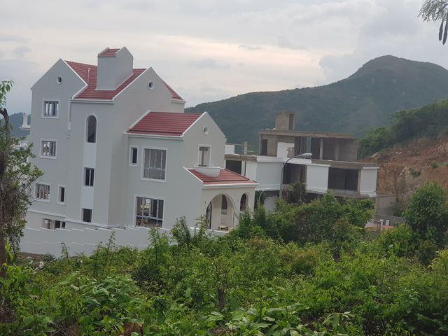 """Tạm dừng những dự án """"xà xẻo"""" núi Cô Tiên ở phía bắc Nha Trang - 1"""