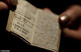 Sửng sốt cuốn sách nhỏ bằng bao diêm có giá trị lên tới 20 tỷ đồng