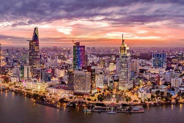 Giá bất động sản TP HCM sẽ tiếp tục tăng mạnh trong năm 2020? - 1