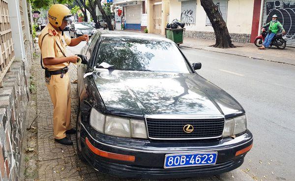 Tạm giữ xe Lexus giả mạo biển số của Báo Thanh tra