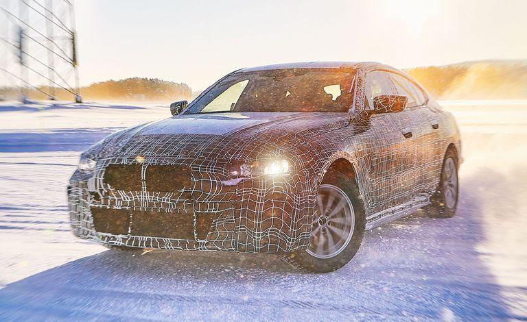 Xe chạy điện BMW i4 sẽ ra mắt vào năm 2021, công suất 523 mã lực
