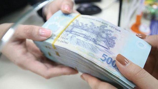 Chính phủ sắp quyết định mức lương mới, thí điểm cơ chế tiền thưởng  - 2