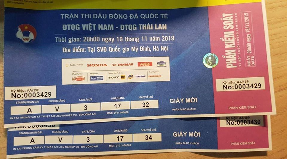 Bắt giữ một bao tải vé giả trận đấu Việt Nam – Thái Lan