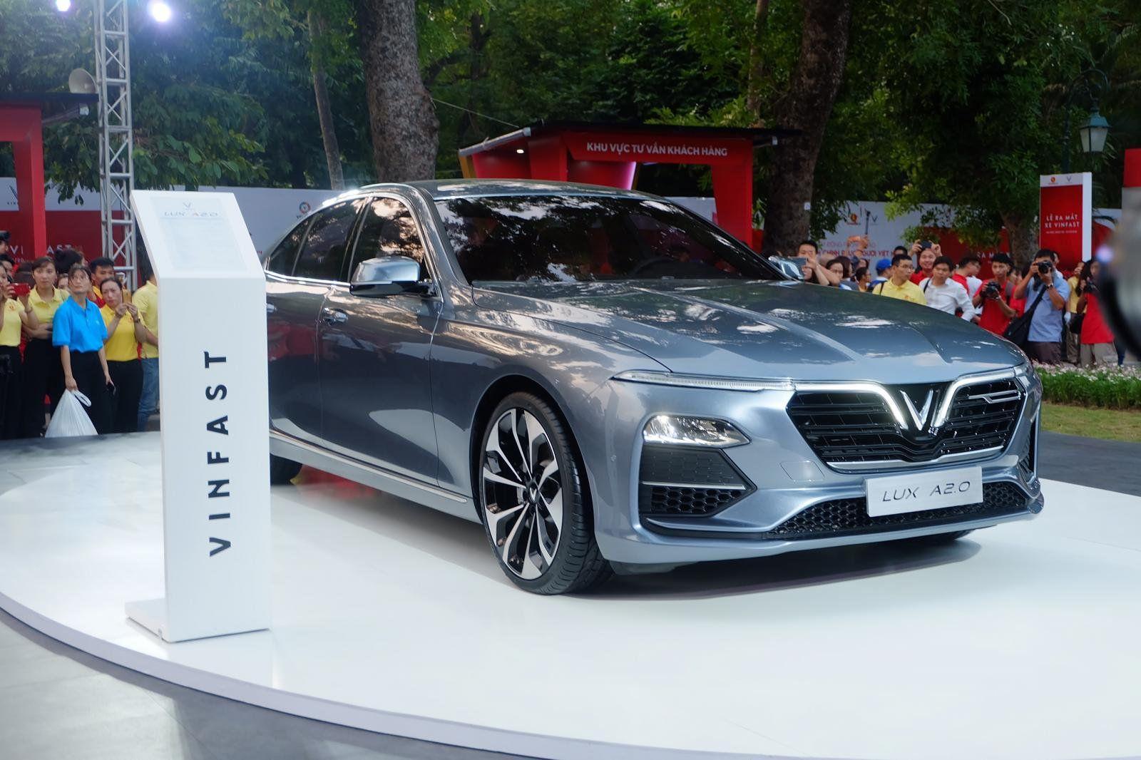 Tăng giá bán Lux nhưng hãng xe của tỷ phú Phạm Nhật Vượng vẫn lỗ nặng vì thuế