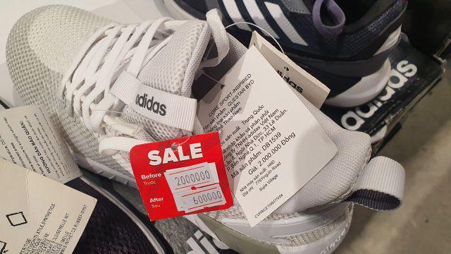 Ngao ngán Black Friday: Giày Nike - Adidas siêu giảm giá vẫn không thèm mua  - 1