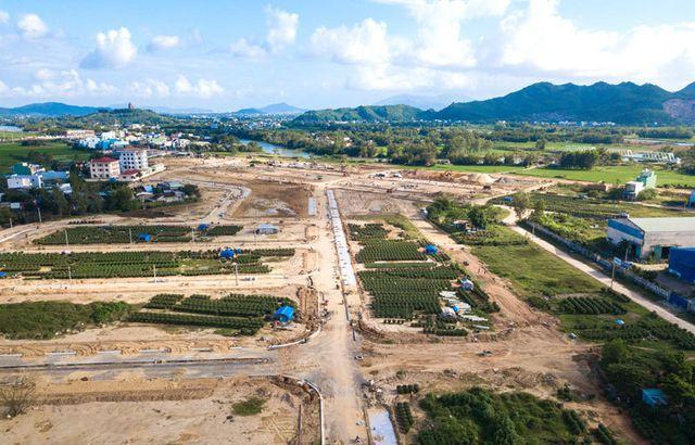 Rủi ro buôn đất: Ôm bao tải tiền vào Đà Nẵng đánh lớn, ai ngờ về với gánh nợ to dần