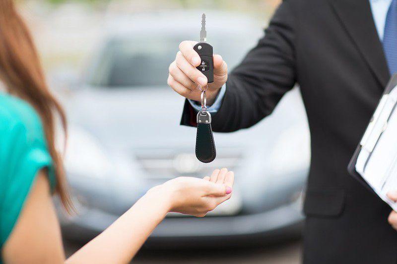 Đặt cọc thuê ô tô dịp Tết sớm để có giá