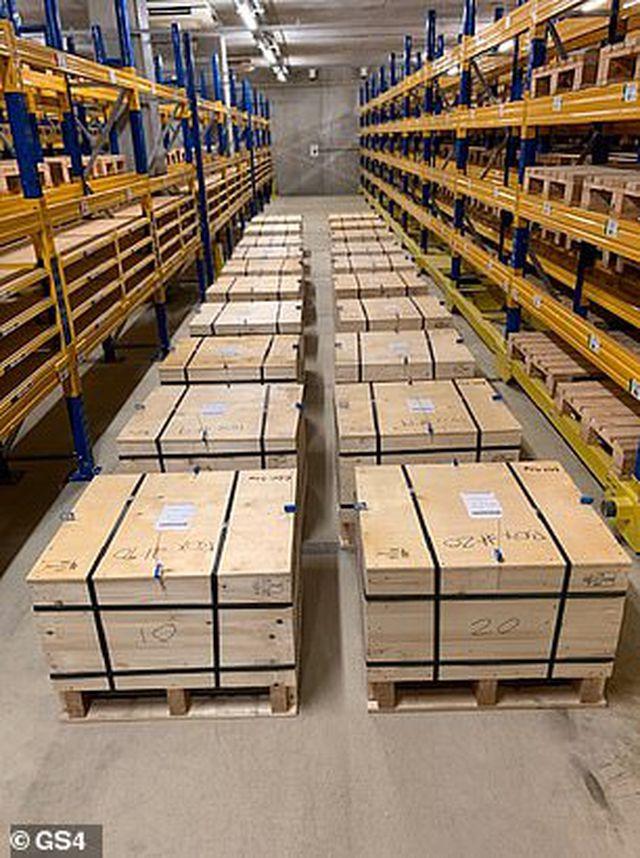 Anh bí mật trao trả 100 tấn vàng trị giá 5,2 tỷ USD cho Ba Lan - 4