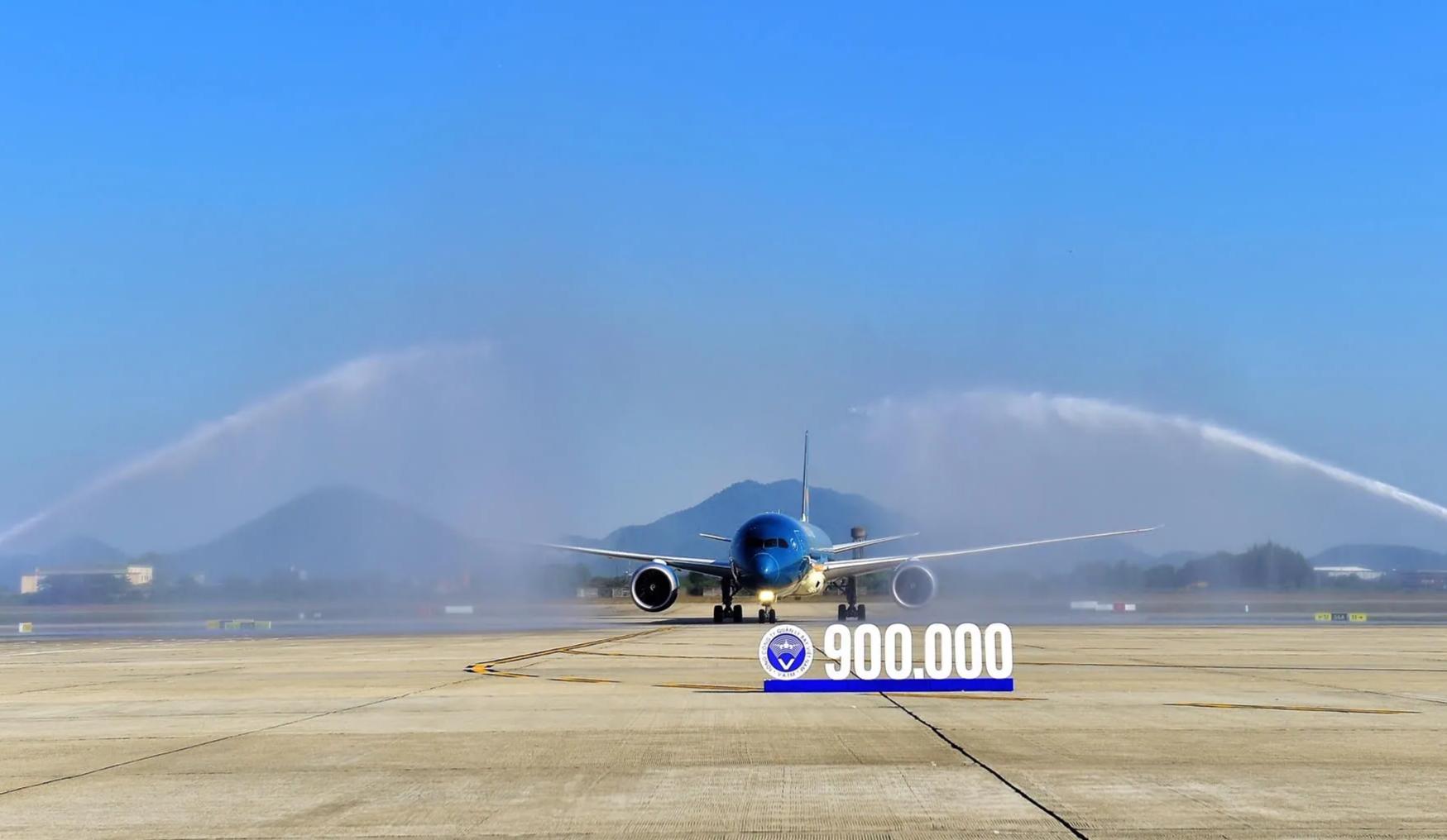 Hơn 2.000 chuyến bay hoạt động trong không phận Việt Nam mỗi ngày
